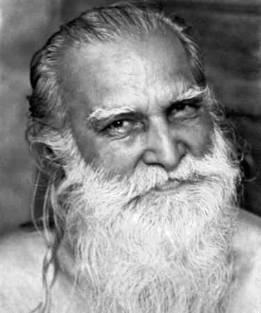 Champaklal (February 2, 1903 – May 9, 1992) was the devoted personal attendant to Sri Aurobindo and The Mother for over fifty years. From 1926 until 1938 he was the only other person apart from the Mother to see Sri Aurobindo on a daily basis.\\n\\n22.01.2018 15:20